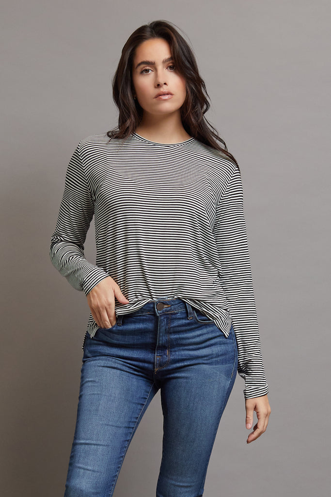 Majestic Long Sleeve Viscose Striped Crewneck in Milk/Noir