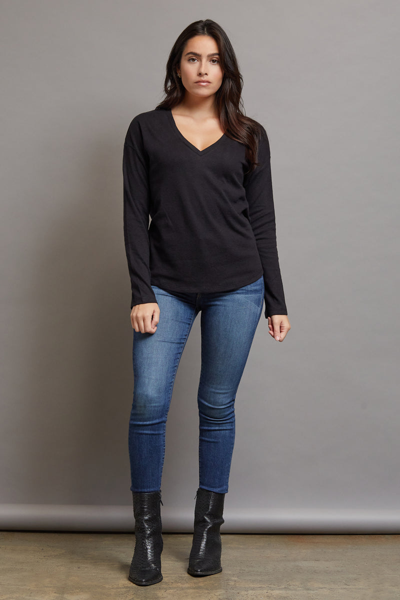 Majestic Long Sleeve Cotton/Cashmere V-Neck in Noir/Anthracite