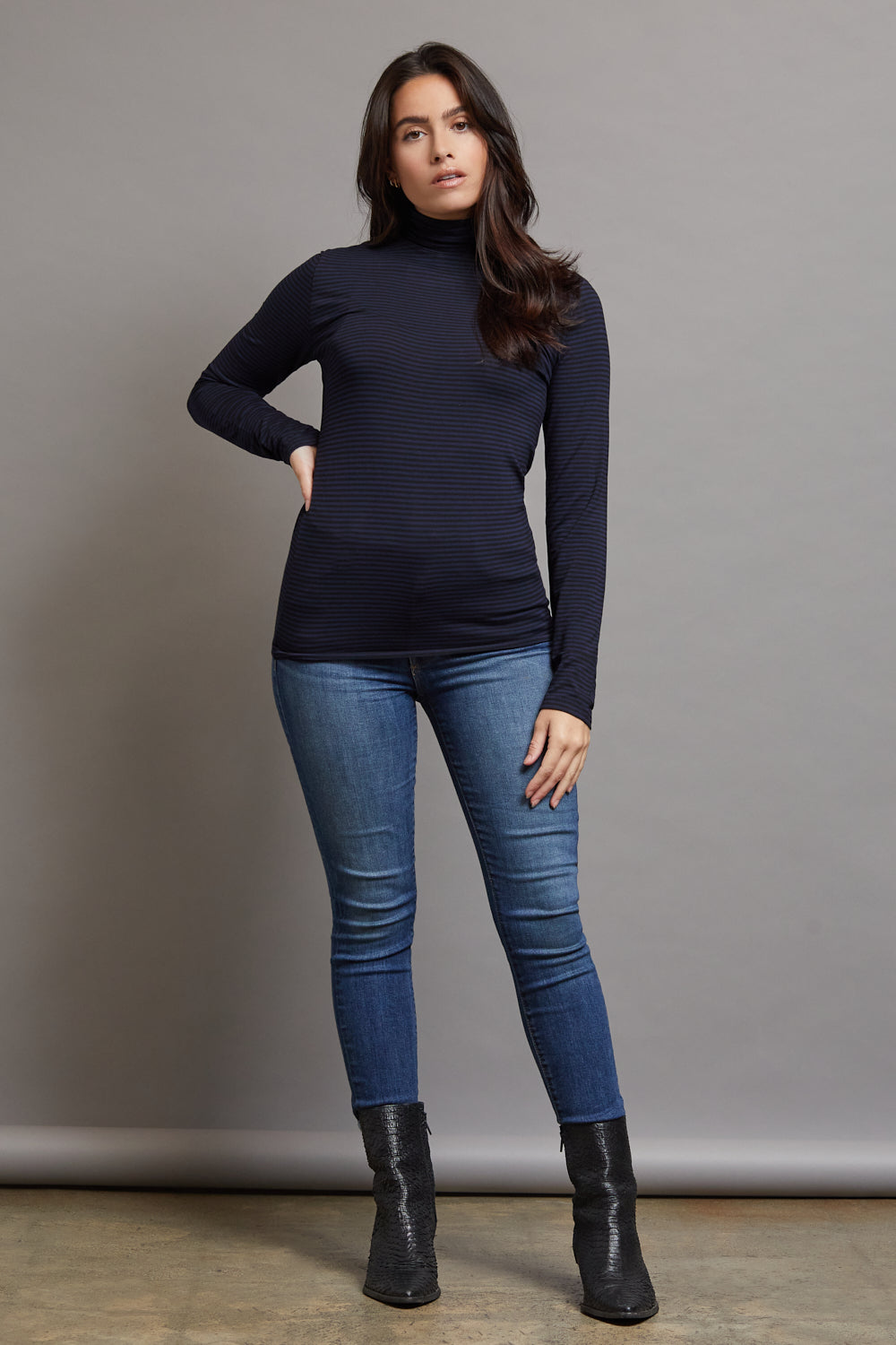 Majestic Long Sleeve Viscose Striped Mockneck in Marine/Noir