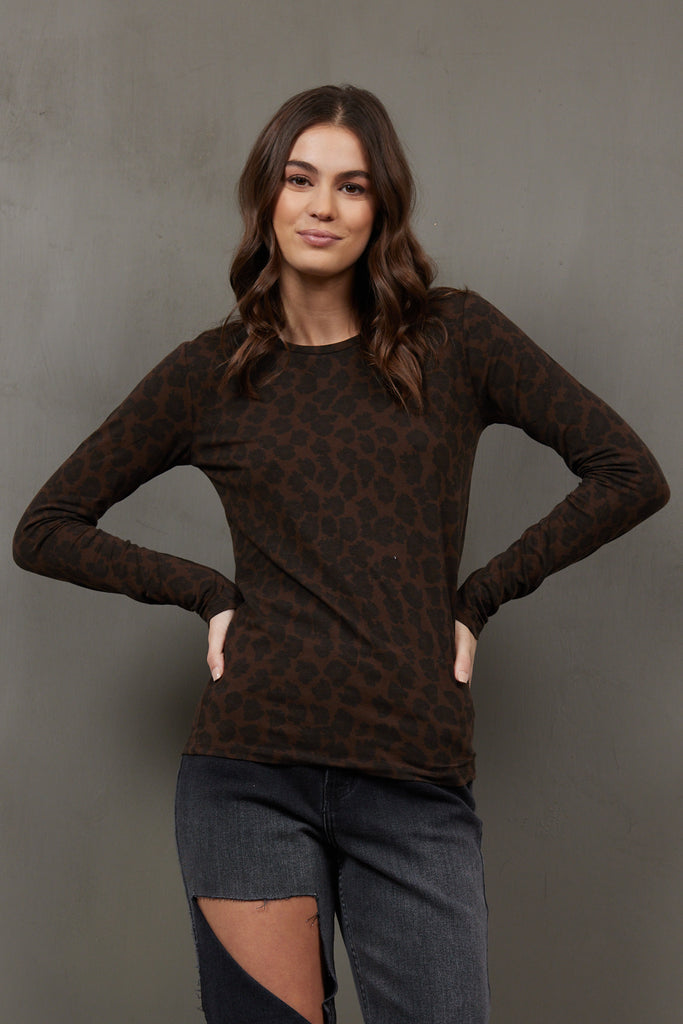 Majestic Long Sleeve Cotton/Cashmere Crew in Leopard