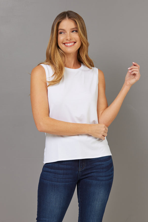 Majestic Viscose Crewneck Tank in Blanc