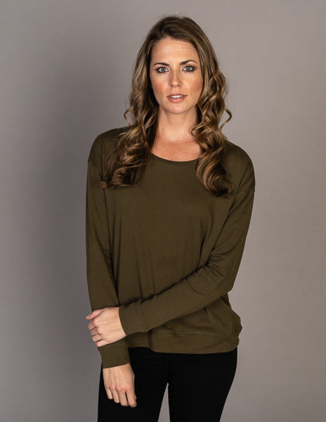 Majestic Long Sleeve Cotton Cashmere Boxy Crew Pullover in Khaki