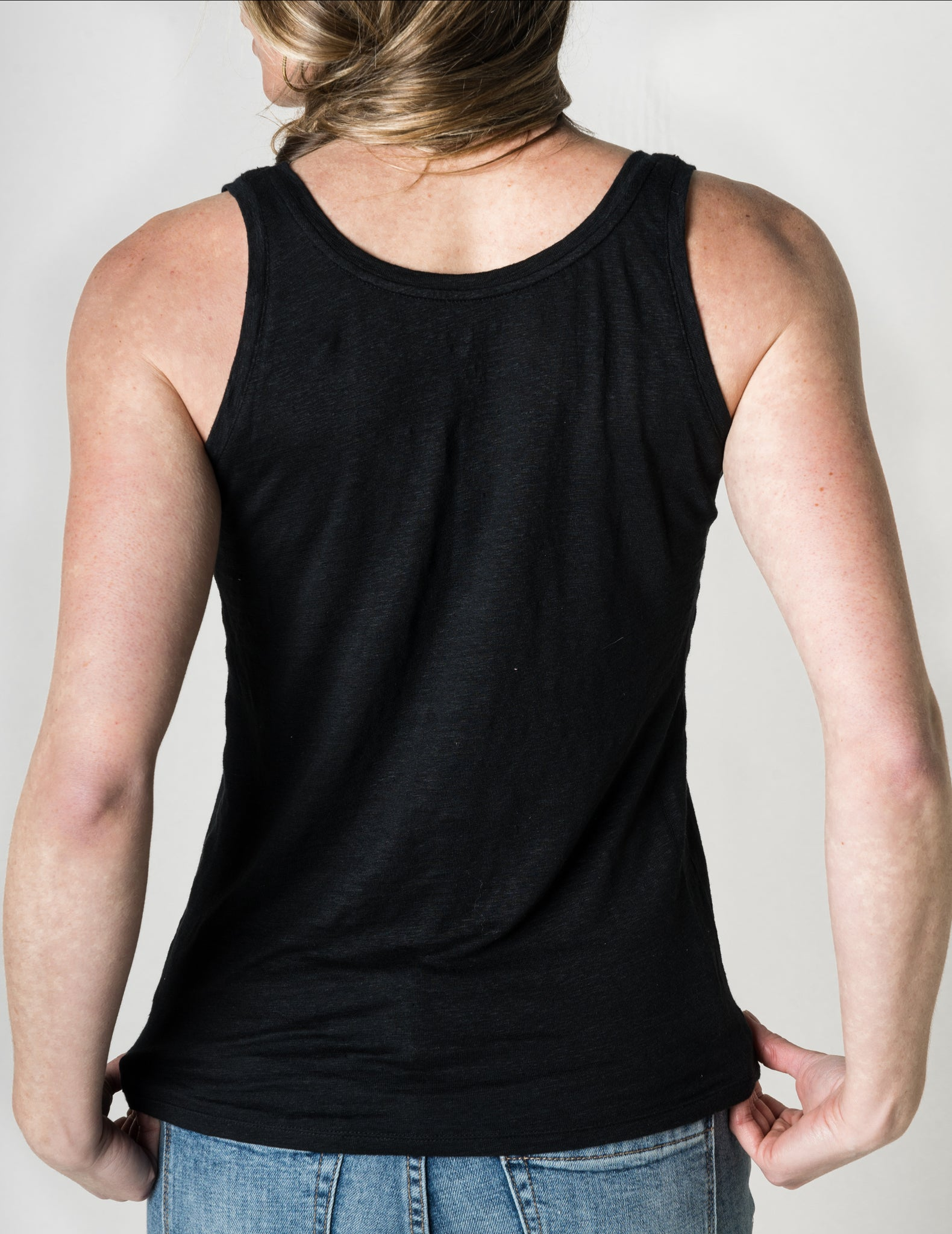 Majestic Linen Tank in Black