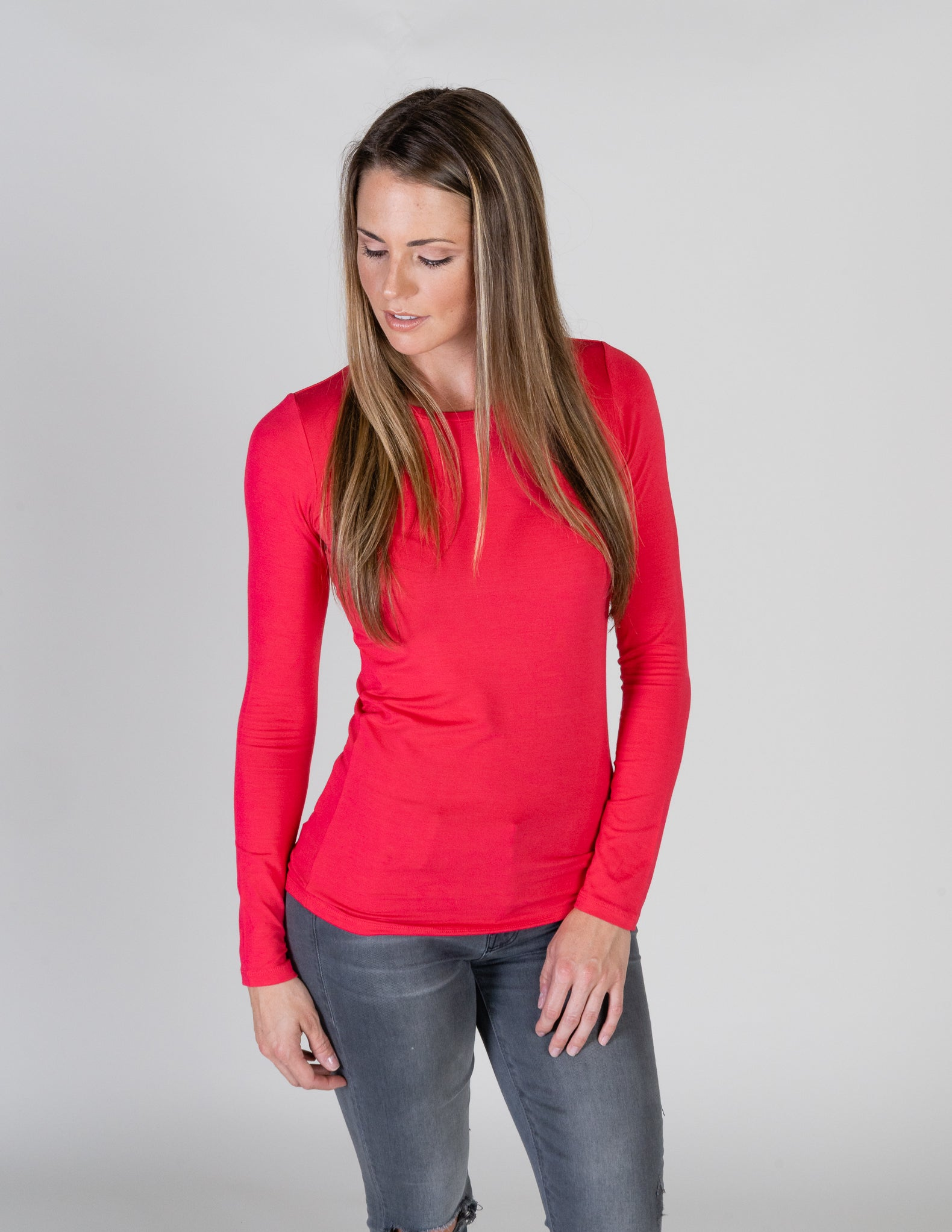 Majestic Long Sleeve Viscose Crewneck in Groseille