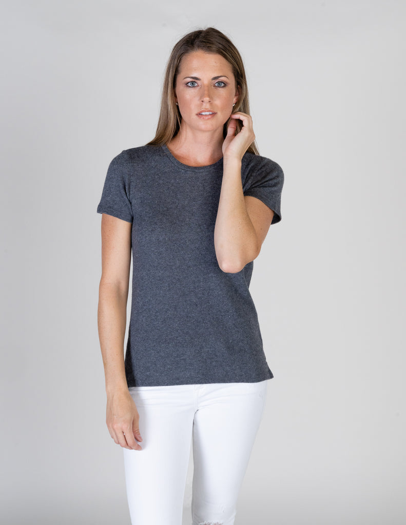 Majestic Short Sleeve Cotton/Cashmere Crewneck Tee in Flanelle