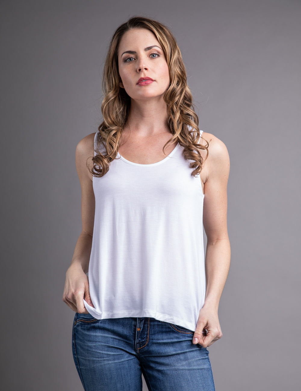 Majestic Scoop Neck Sleeveless Relaxed Tank in Blanc