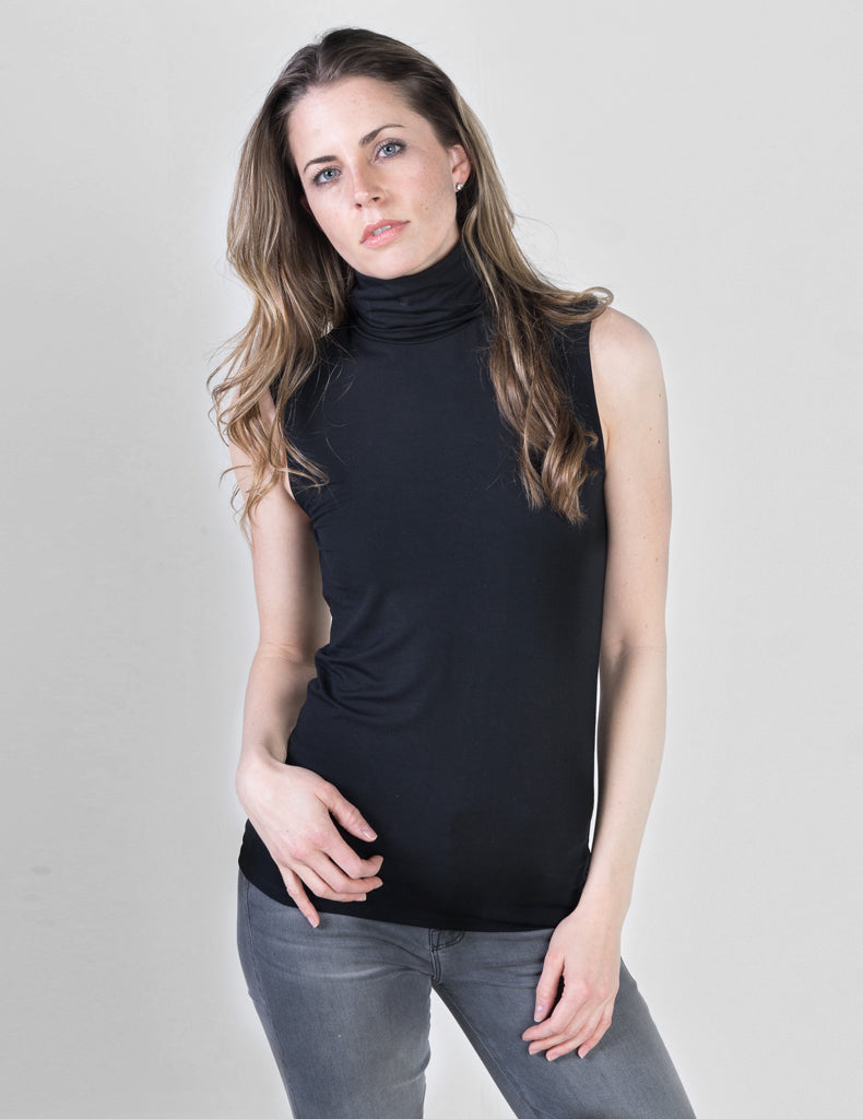 Majestic Sleeveless Turtleneck in Black
