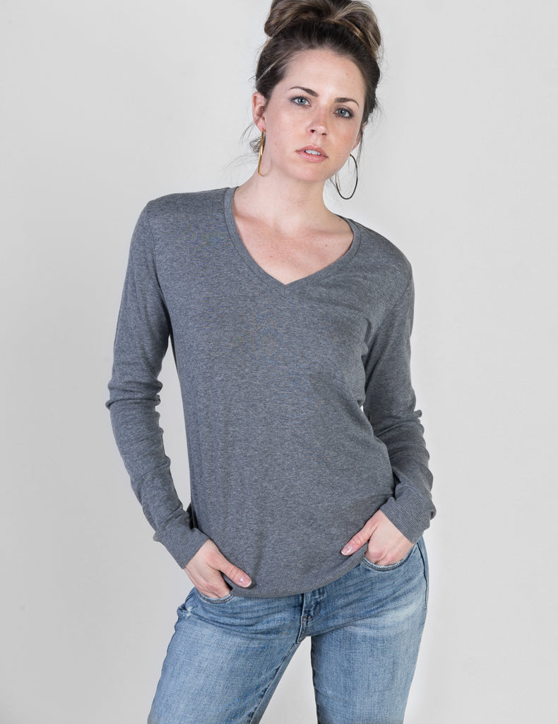 Majestic Long Sleeve Cotton Cashmere V-Neck with Detailed Trim in Heather Grey