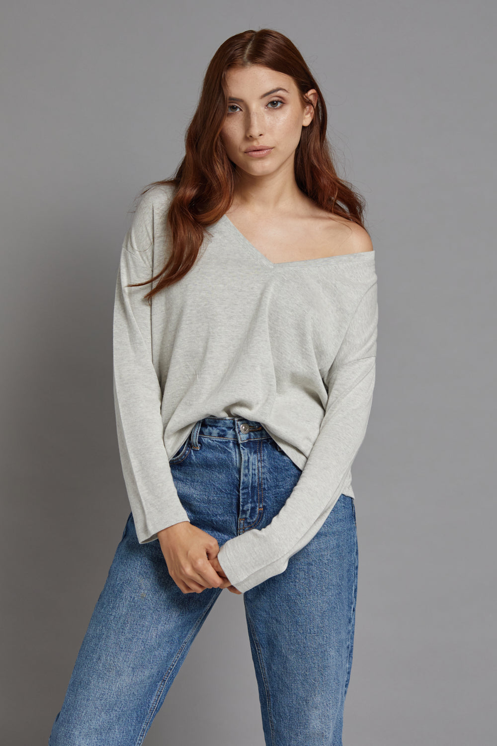 Majestic Long Sleeve Cotton/Cashmere V-Neck in Ecru/Gris Chine