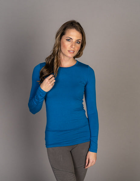 Majestic Long Sleeve Soft Touch Crewneck in Fidji Blue