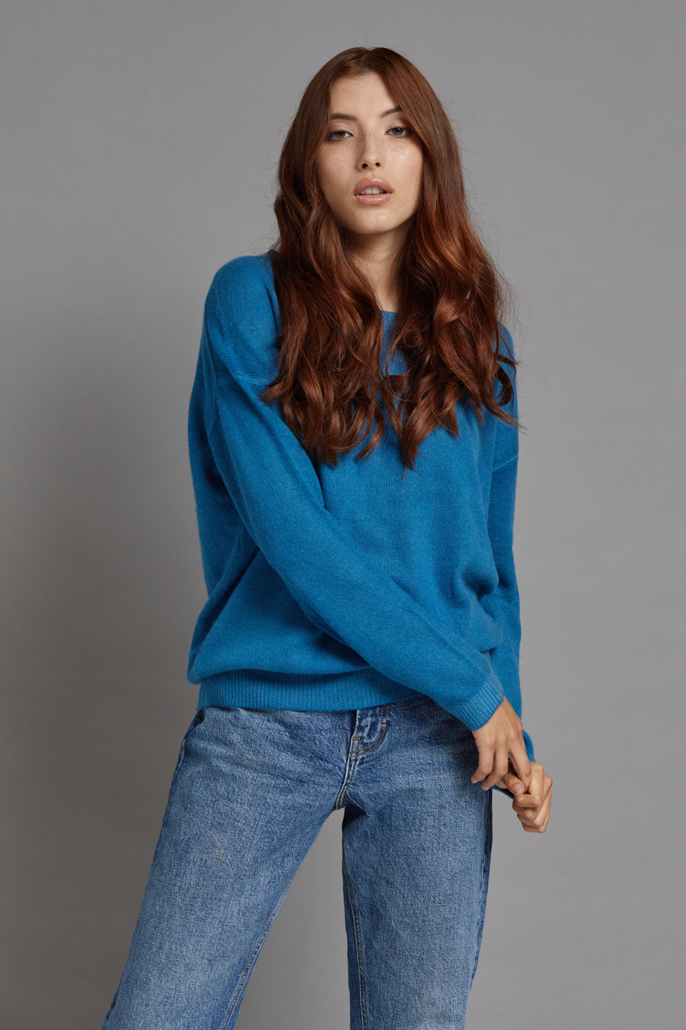 Majestic Long Sleeve Cashmere Crewneck in Fidji Blue