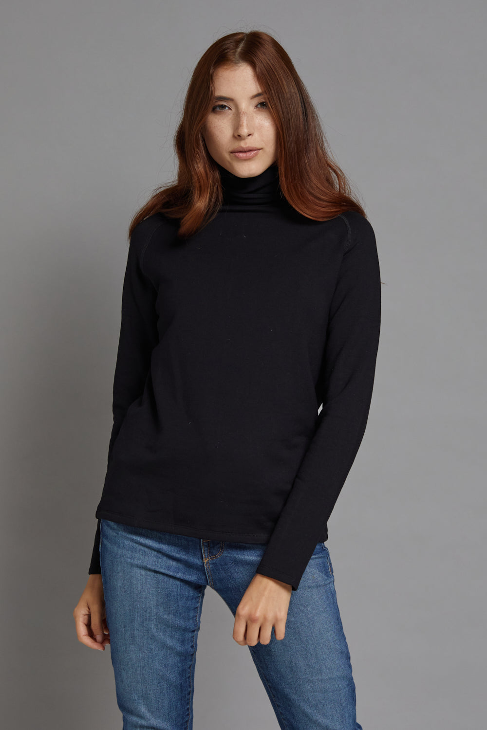Majestic Long Sleeve Luxe Raglan Turtleneck in Noir