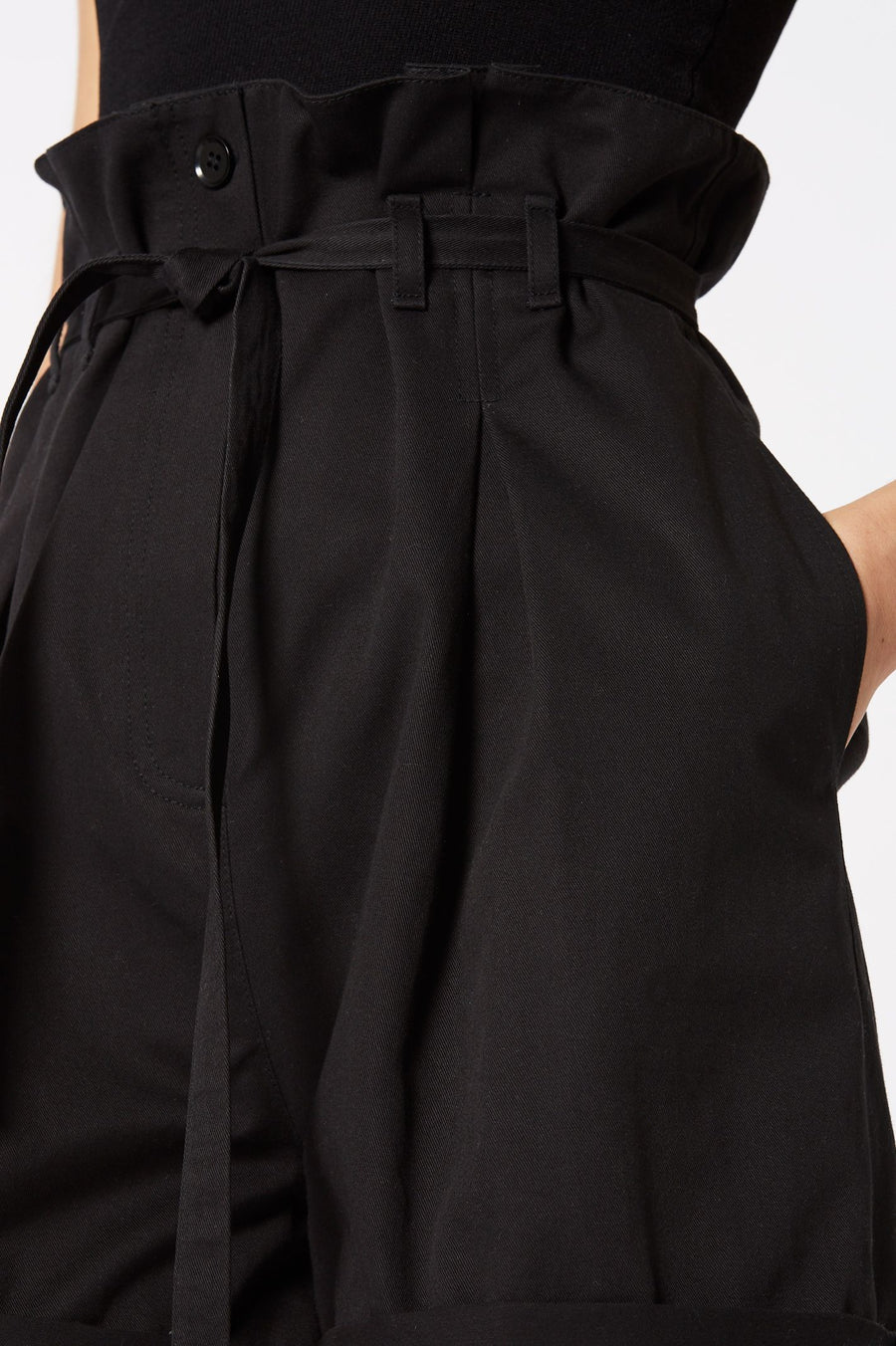 PLEAT FRONT SHORT, HIGH WAISTED PLEATED STYLE, COLOR BLACK