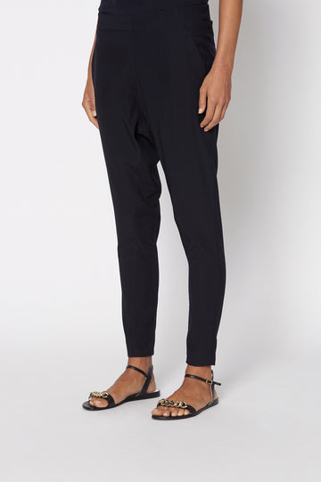 SILK LOW RISE BOYFRIEND PANT NAVY