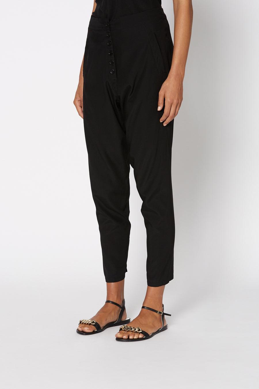 SILK LOW RISE BUTTON PANT BLACK