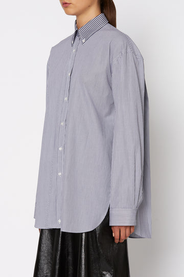 BUTTON COLLAR SHIRT, LONG SLEEVE, OVERSIZED, NAVY WHITE STRIPE color