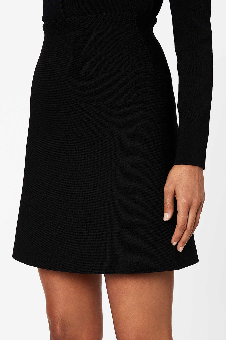 CREPE KNIT SHORT A-LINE SKIRT BLACK
