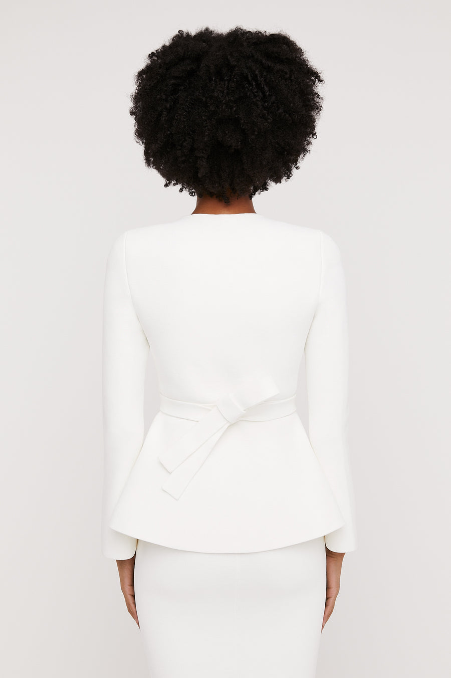 CREPE KNIT RUFFLE JACKET WHITE