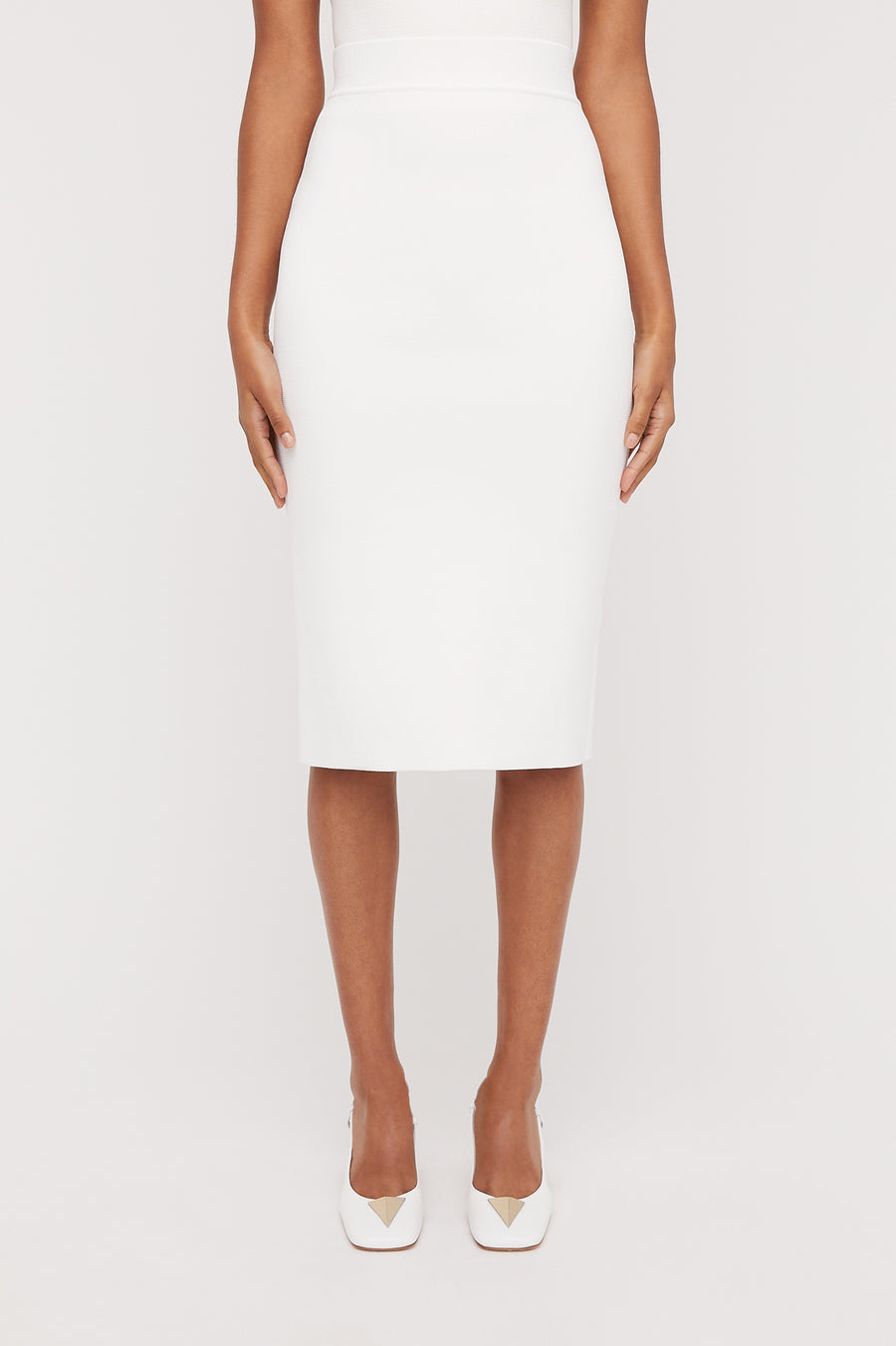 CREPE KNIT SLIT BACK SKIRT WHITE