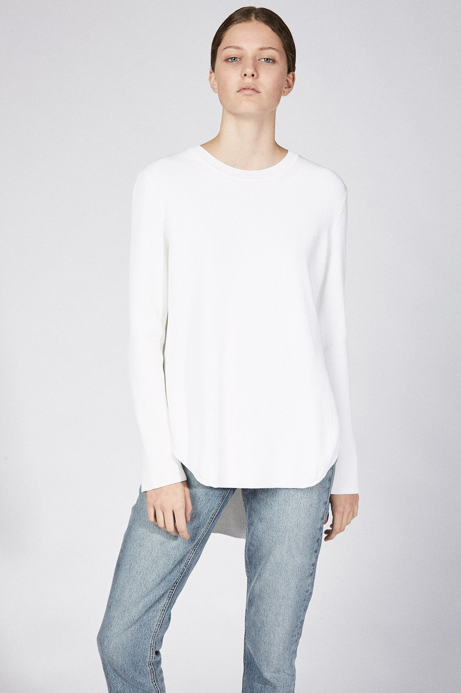 CREPE KNIT SHIRT TAIL SWEATER WHITE