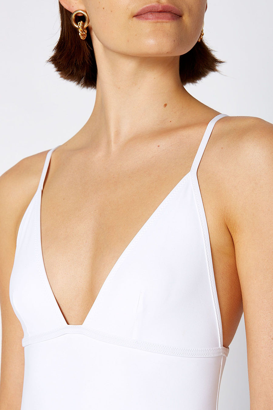 TRIANGLE ONE PIECE WHITE, Triangle cups, Back clasp fastening