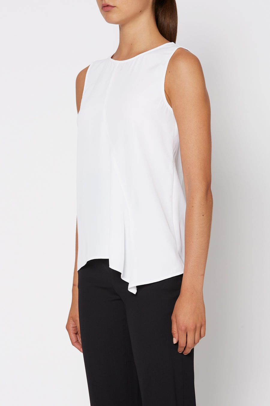POWDERED VISCOSE TOP, front drape, short sleeve, crew neck, WHITE color