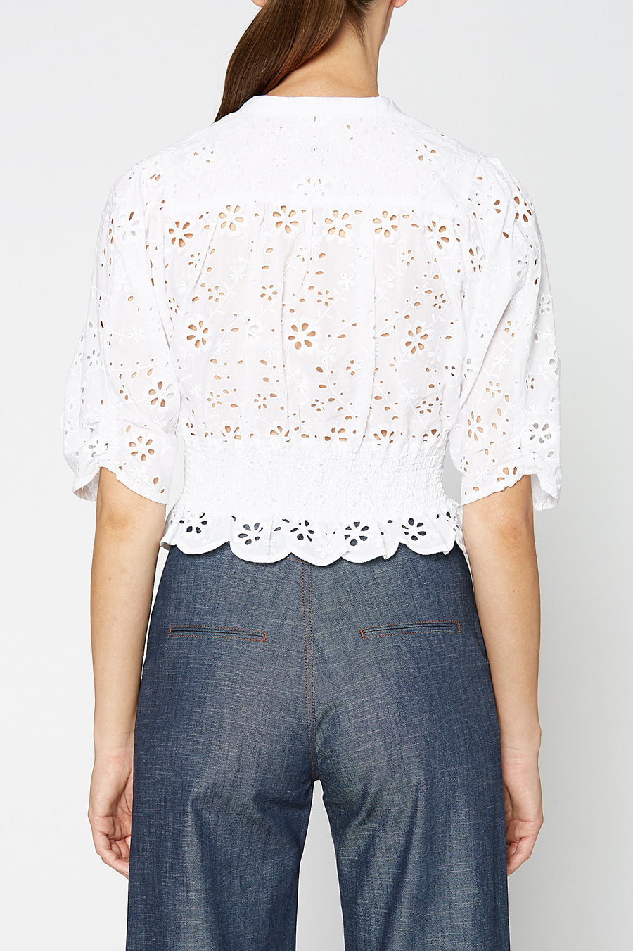 EMBROIDERY RUFFLE TOP WHITE