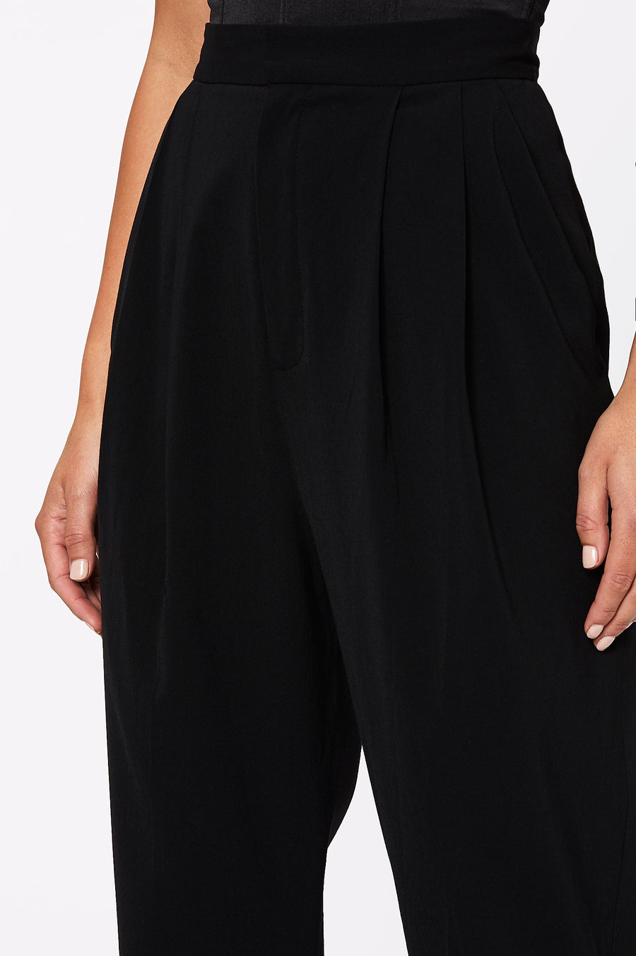 TAILORED PLEAT TROUSER BLACK