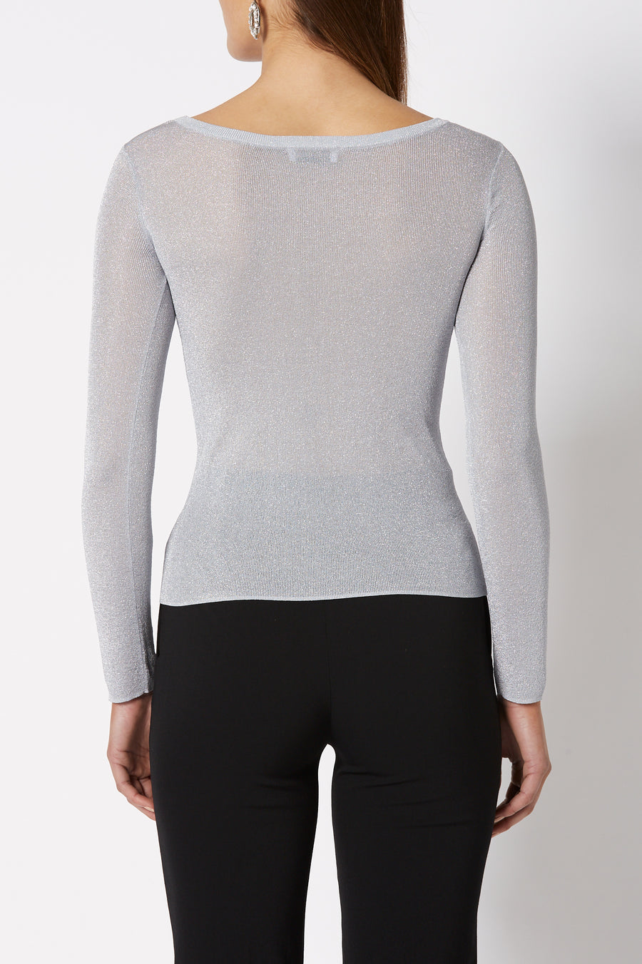 Sparkle Rib Boat Neck Sweater has a boatneck and is designed for a slim fit, color silver