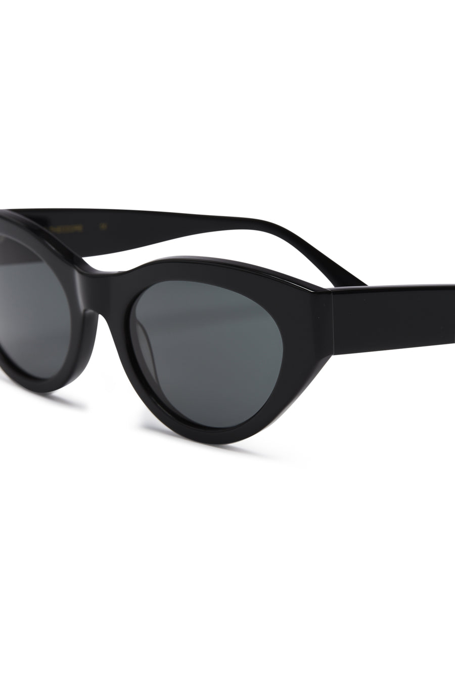 S T CAT EYE SUNGLASSES BLACK