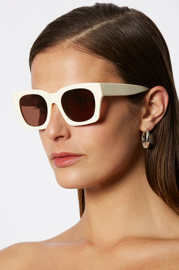 S T CLASSIC SQUARE SUNGLASSES CREAM