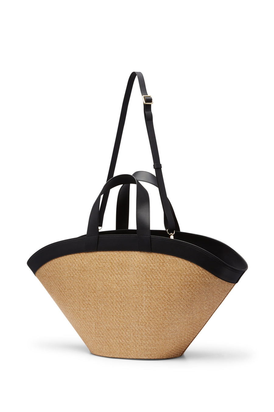 This basket style bag is crafted from straw and trimmed with leather detailing for added luxury.