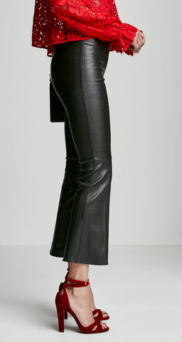 STRETCH LEATHER FLUTED TROUSER