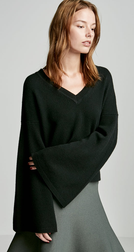 CASHMERE CROP TRAPEZE SLEEVE SWEATER