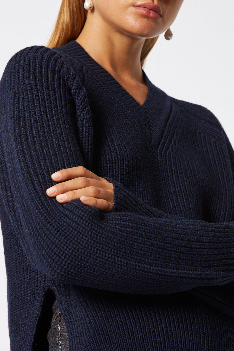 Merino V Neck Sweater, v-neckline, long sleeves and side slits, Color Navy