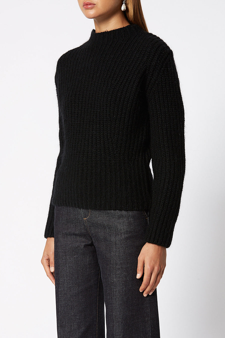 Cropped Rib Sweater, rib-knitted, slim fit, turtleneck silhouette, Color Black