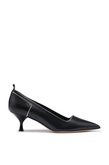 Pump 5.5, sportivo leather pump with kitten heel. Piped edges, nylon pull tab detail. Heel height approx 2.1 inches. Color Black Nero