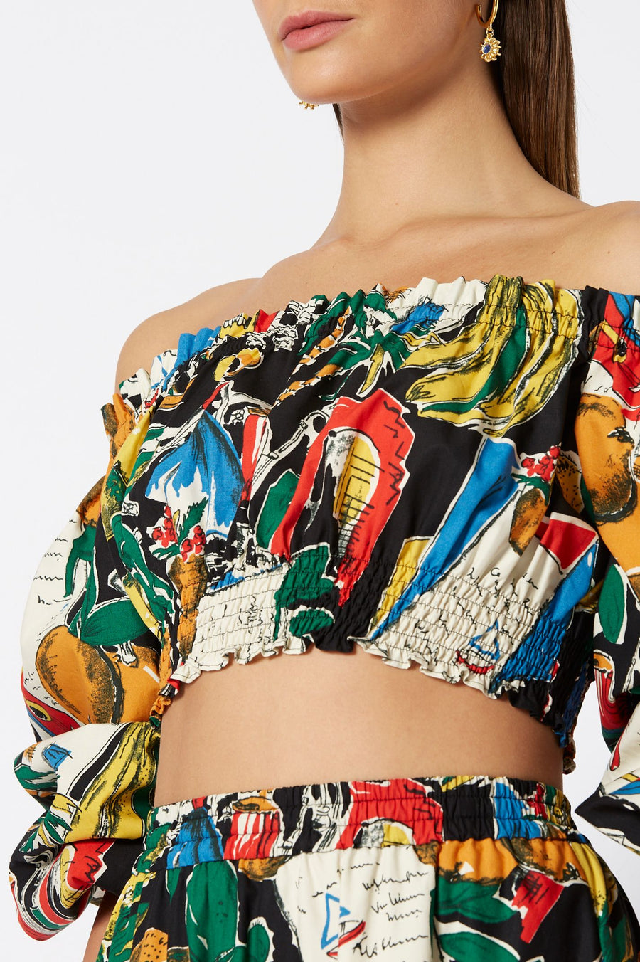 CALYPSO CROPPED TOP, WOVEN RUCHED OFF SHOULDER, COLOR BLACK PRINT