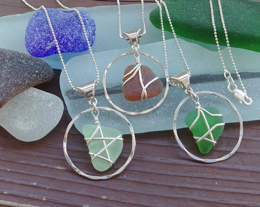 Sea Glass Hammered Circle Necklace In Sterling Silver