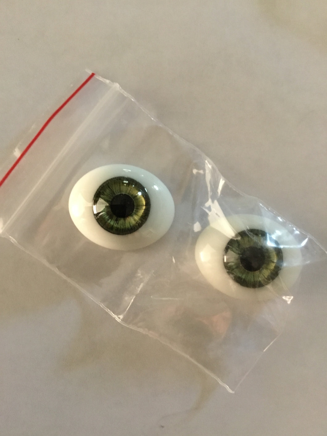 Oval Flat Back Glass Eyes Green 22mm