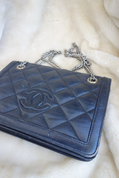VINTAGE LEATHER BAG BY CHANEL