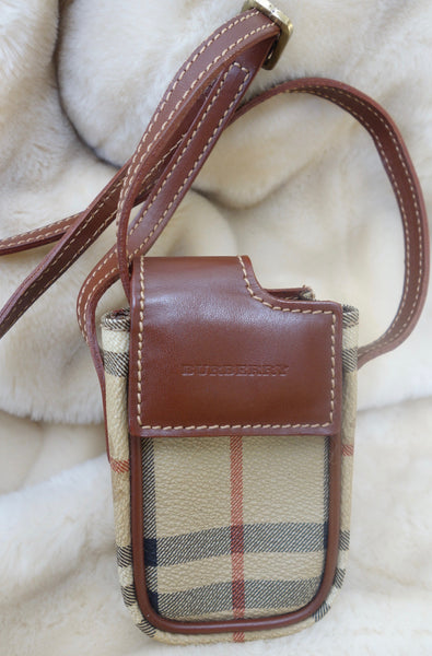 VINTAGE BURBERRY POUCH