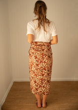 Load image into Gallery viewer, Paisley Sarong
