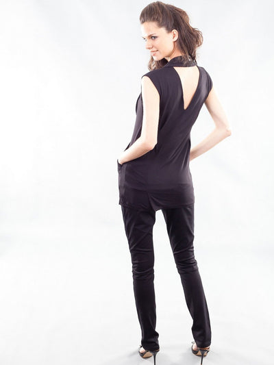 V-Shaped Open Back Tunic with External Pockets