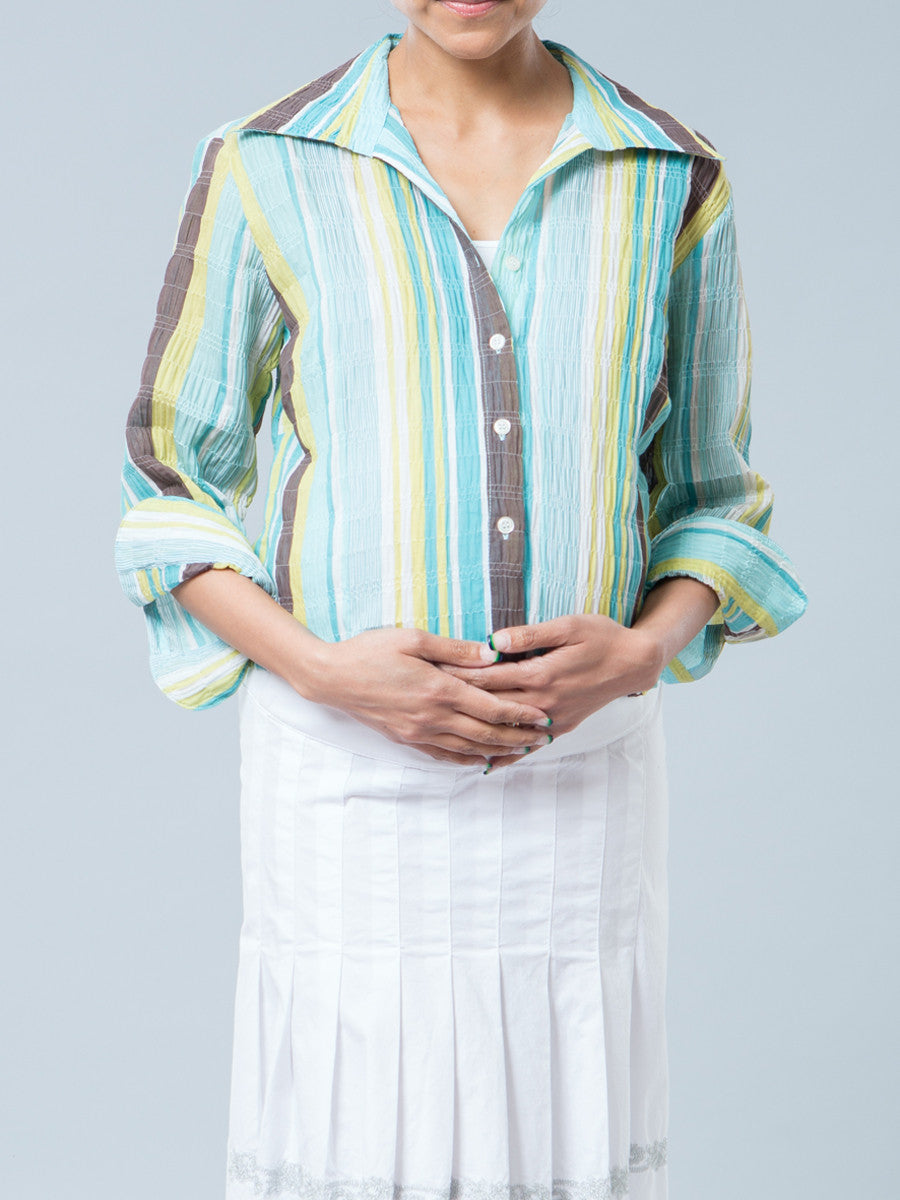 Crinkled Collared Nursing-Friendly Button-Up Maternity Shirt