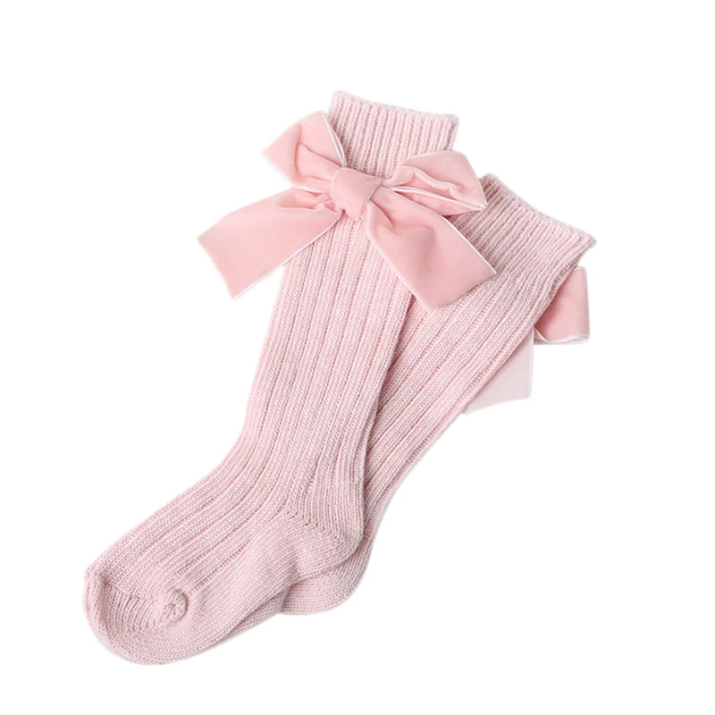 Girl's cable knit knee socks