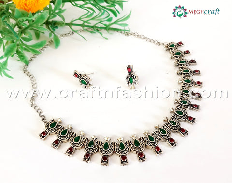 Indian Ethnic Silver Plated Fashion Necklace.