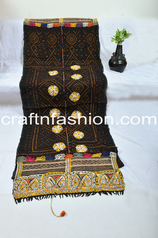 Vintage Handmade Pure Woolen Embroidered Shawl
