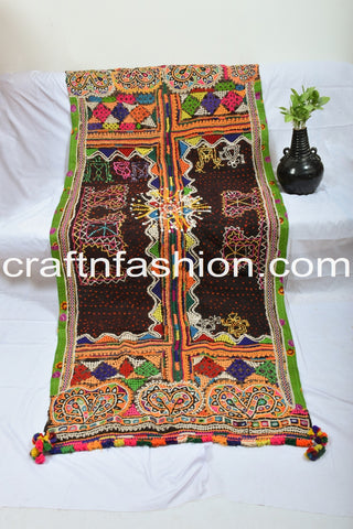Traditional Gujarati Embroidered Shawl/Dhabdi