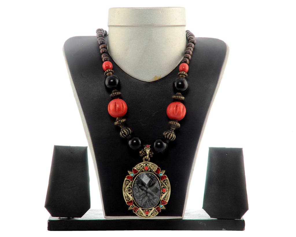 Red Beaded Costume Fashion Necklace